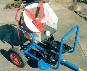 Tricycle trailer seat